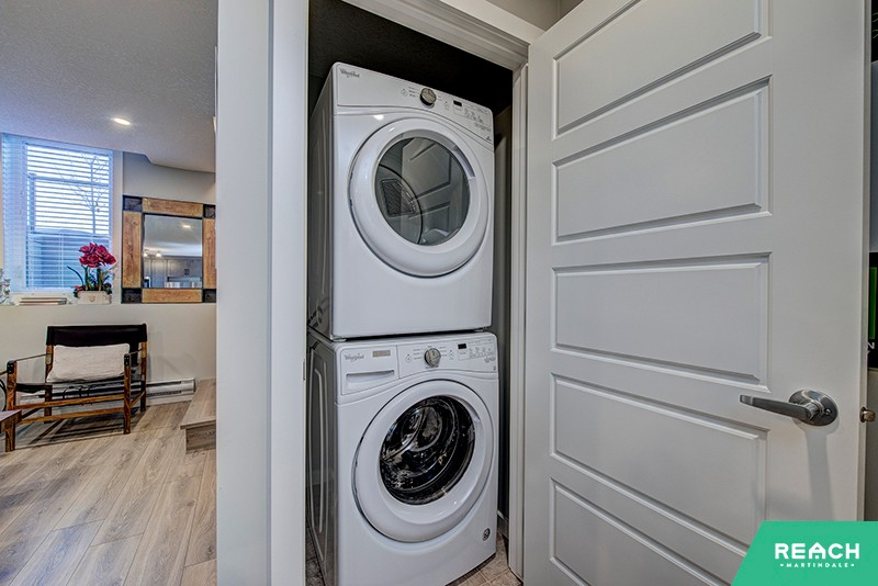 1 Level Flat - washer & dryer